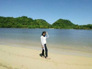 Berlibur Pantai Clungup Malang Yuk Amazing Salah Satu Pantainya Tahu