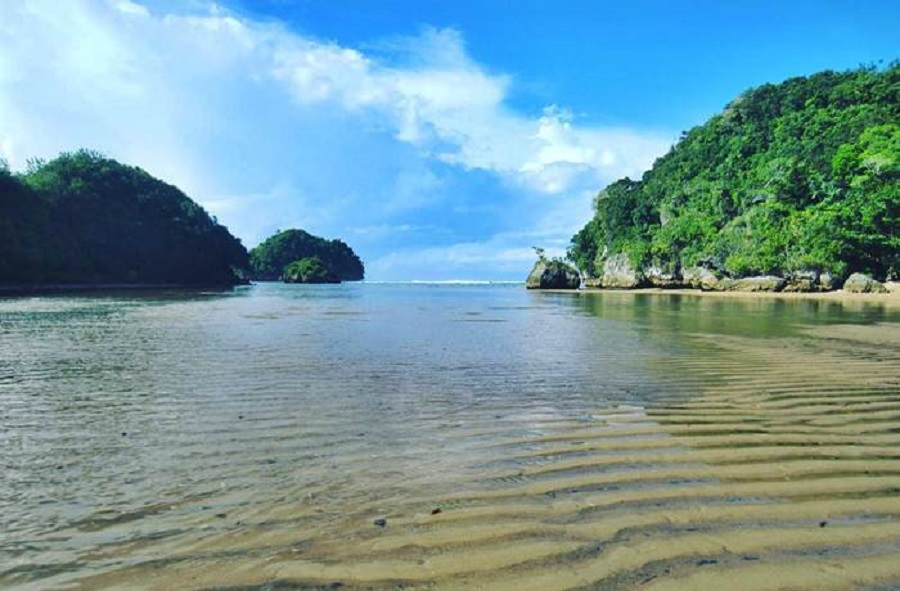 Download Gambar Pantai Clungup Cantik Malang Id Image Kota