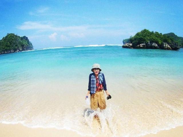Ecotraveling Pantai Tiga Warna Lingkar Malang Clungup Kota