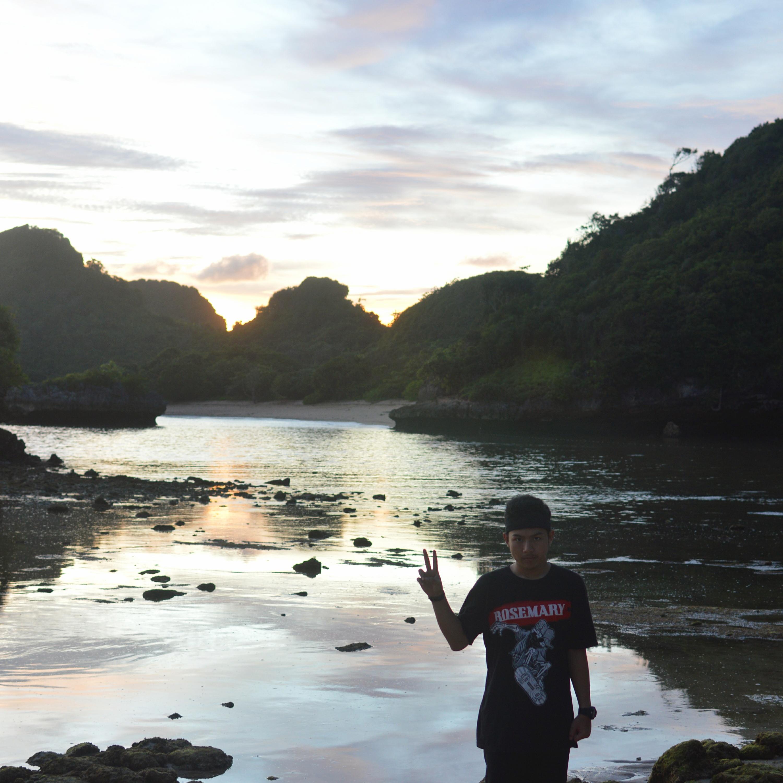 Nature 2 Sunset Cakrawala Pantai Clungup Malang Estimasi Pengeluaran Hari