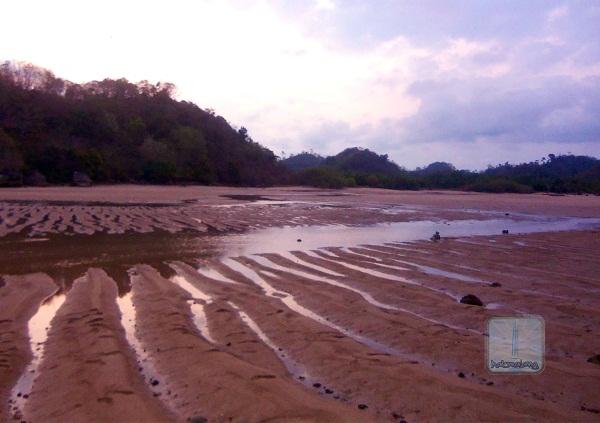 Pantai Clungup Halomalang Kota Malang