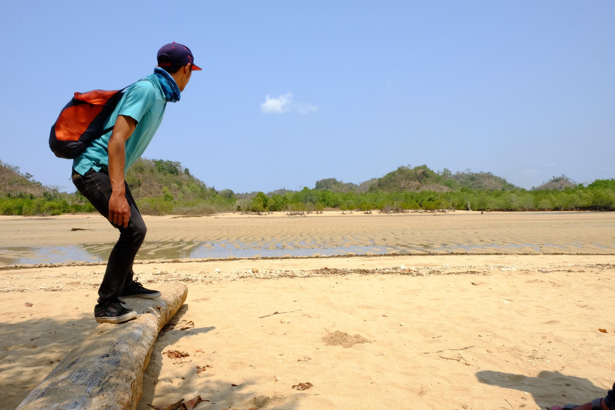 Pantai Clungup Malang Indahnya Konsep Eco Friendly Mengulas Salah Satu