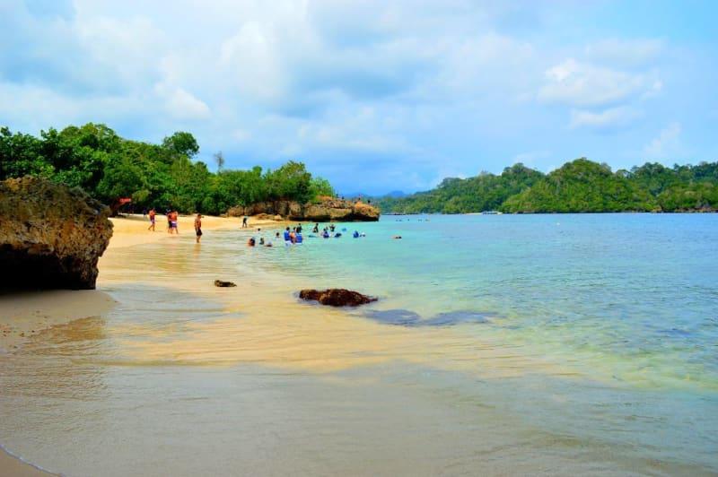 Pantai Tiga Warna Malang Raja Ampatnya Jawa Keunikannya Keunikan Lainnya