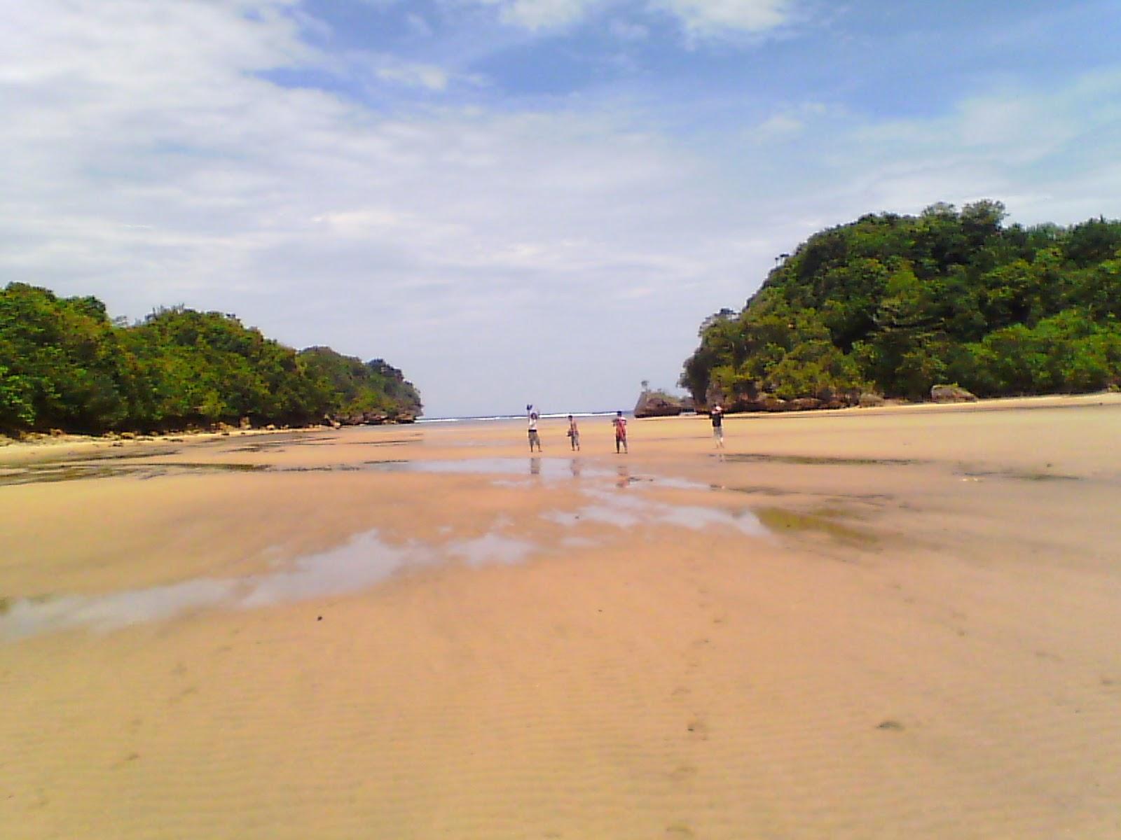 Weekend List Pantai Clungup Eksotis Terabaikan Kota Malang