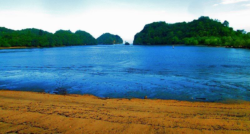 Wisata Pantai Tiga Warna Gatra Clungup Paket Malang Raya Kota