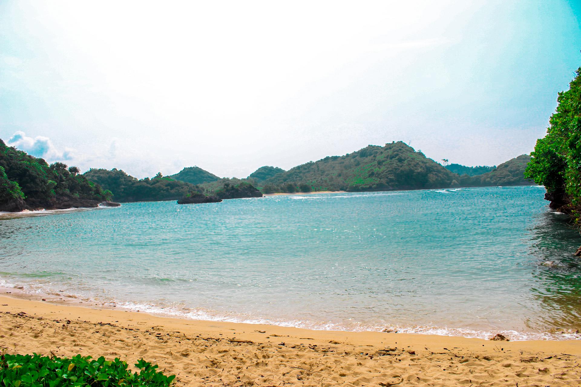Zhafira Trans Travel Malang Juanda Pantai Clungup Sebuah Pesisir Selatan
