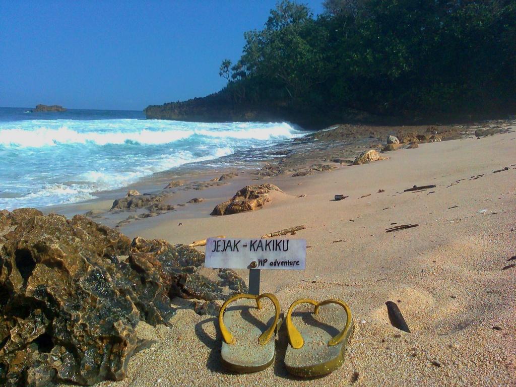 Jejak Kaki Pantai Pakuto Ciut Donomulyo Malang Kedung Celeng Pulo