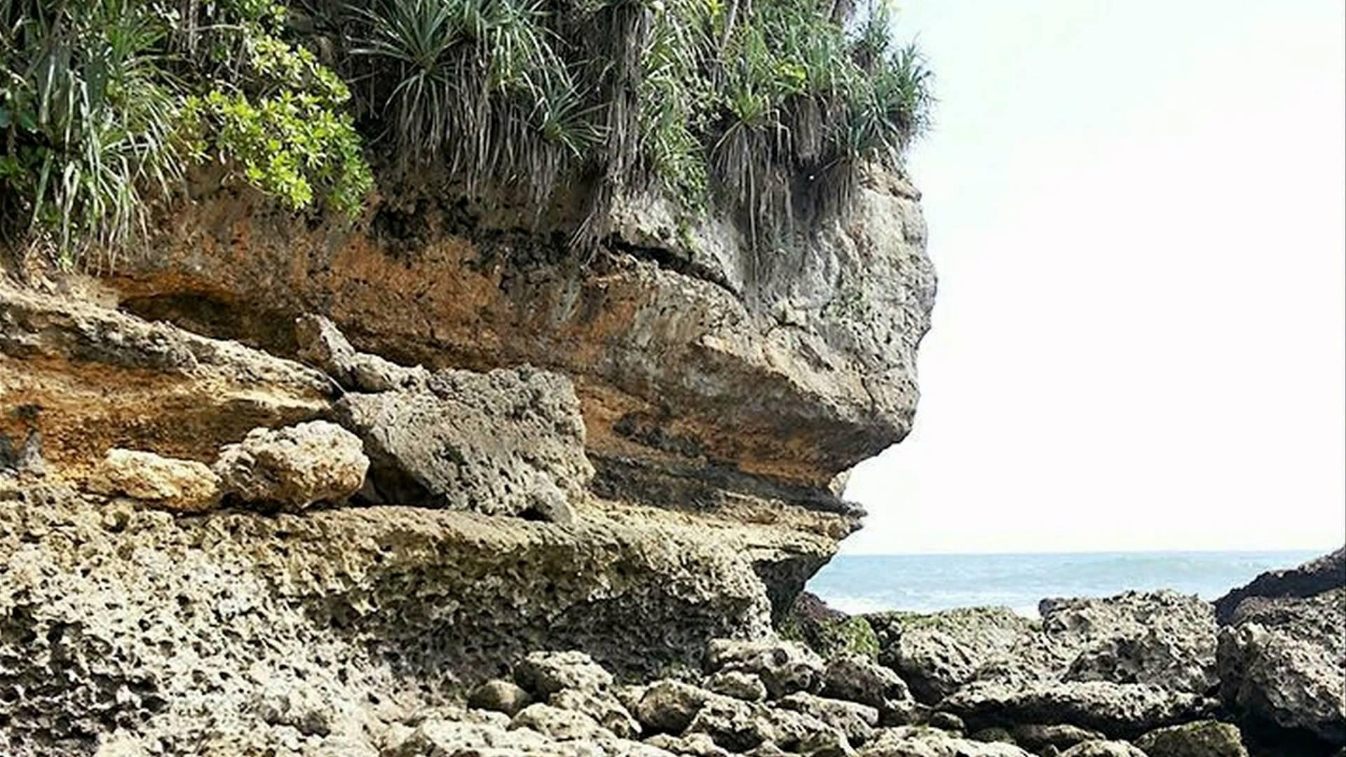 Kedung Celeng Beach Malang Indonesia Pantai Youtube Kota