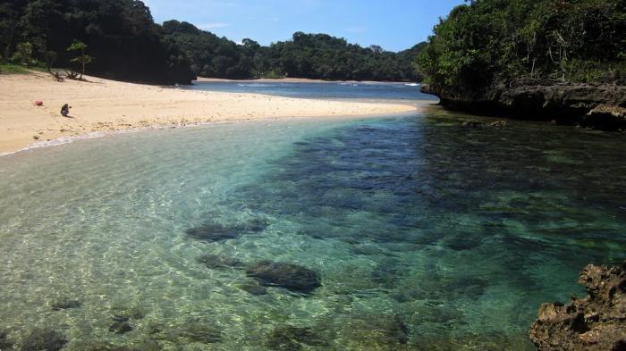 Pantai Bantol Kedung Celeng Pulodoro Tiga Panorama Indah Malang Kota