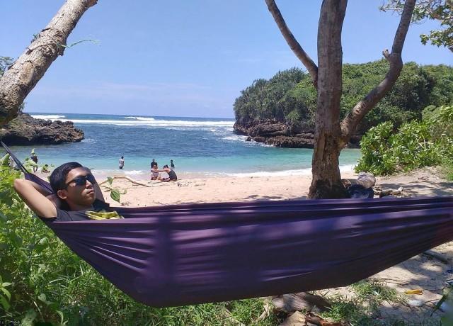Pantai Kedung Celeng Alternatif Lain Wisata Malang Yuk Foto Https