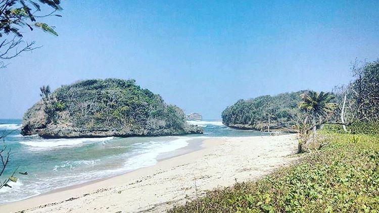 Pantai Kedung Celeng Lokasi Dusun Sumber Desa Ba Flickr Banjarejo