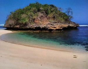 Pantai Kedung Celeng Pulodoro Malang Selatan Dimulai Keindahan Memiliki Ombak