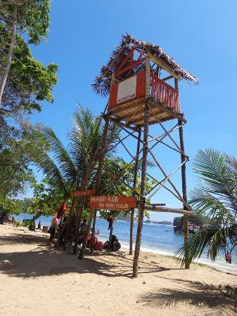 Gardu Penjaga Pantainya Picture Kondang Merak Beach Malang Pantai Kota