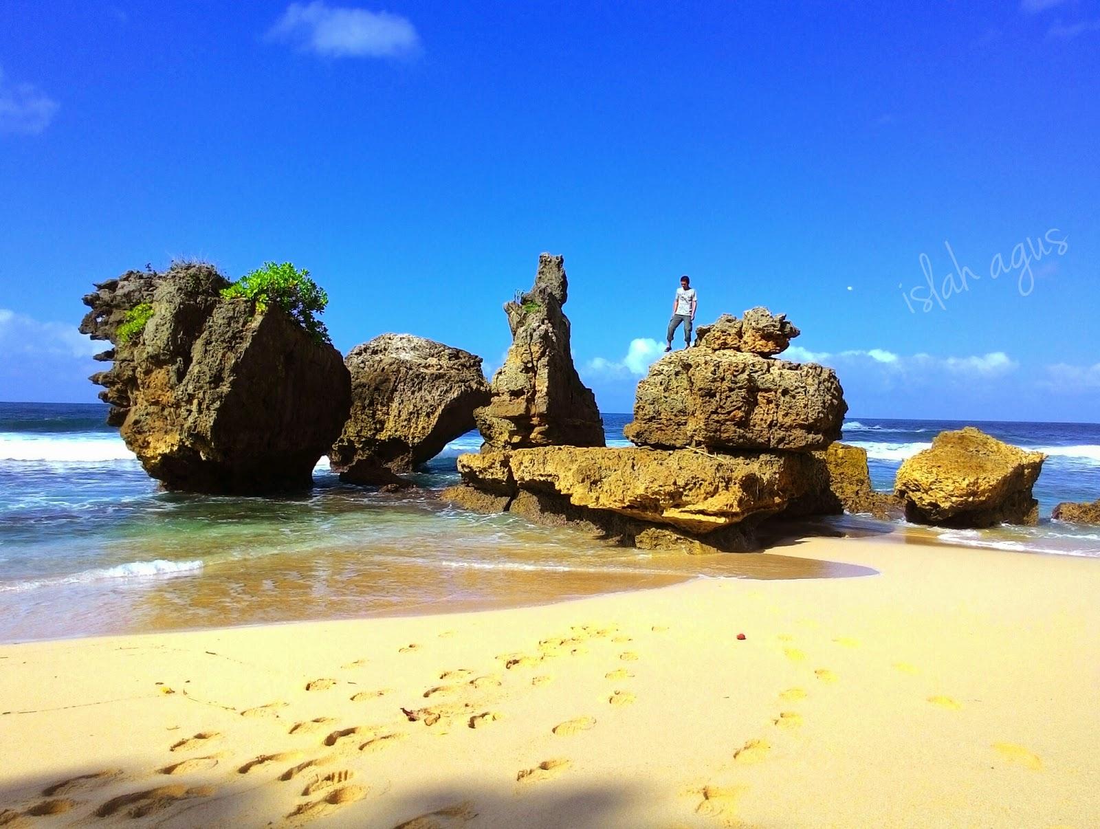 Jejak Kecilku Pantai Selok Malang Selatan Kondang Merak Kota