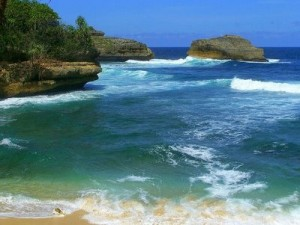 Pantai Kondang Merak Eksotisme Terpencil Sudut Malang Kota