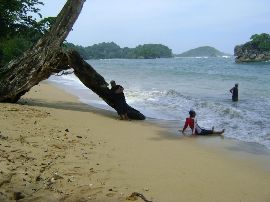 Pantai Kondang Merak Jono Brothers Iklan Kota Malang