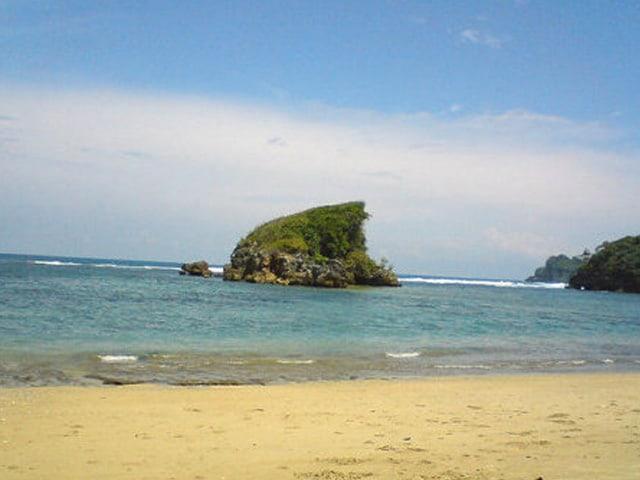 Pantai Kondang Merak Lingkar Malang 2017 2018 2019 2020 2021