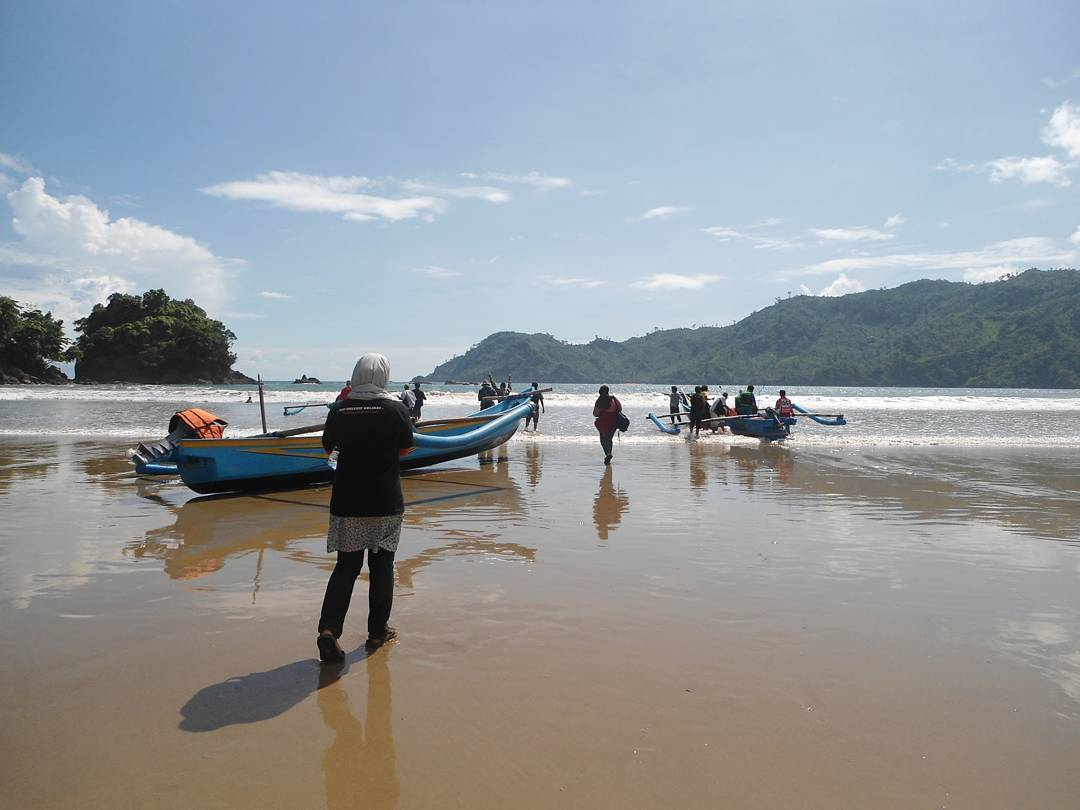 9 Hal Penting Menarik Tentang Pantai Banyu Anjlok Malang Berawal