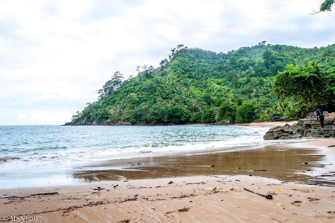 9 Hal Penting Menarik Tentang Pantai Banyu Anjlok Malang Bolu