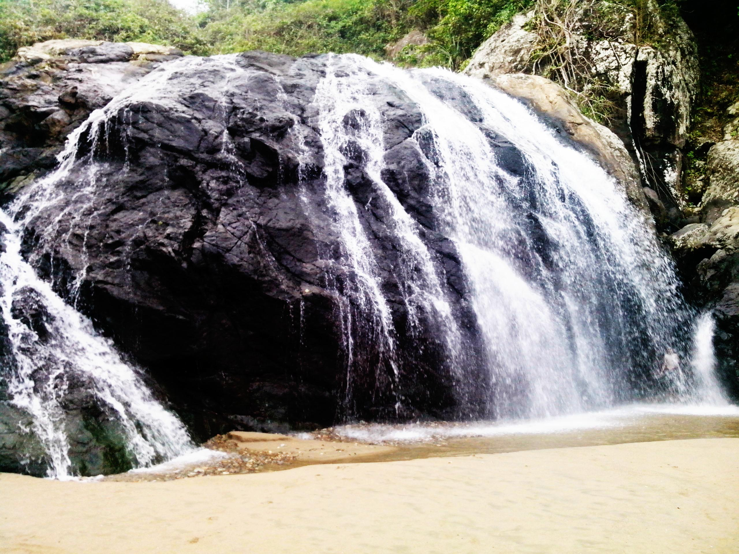 Paket Wisata Batu Bromo Malang Day Banyu Anjlok Pantai Lenggoksono