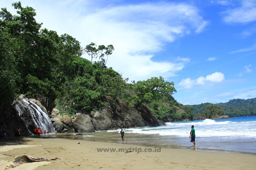 Pantai Lenggoksono Air Terjun Banyu Anjlok Alternatif Liburan Murah Malang