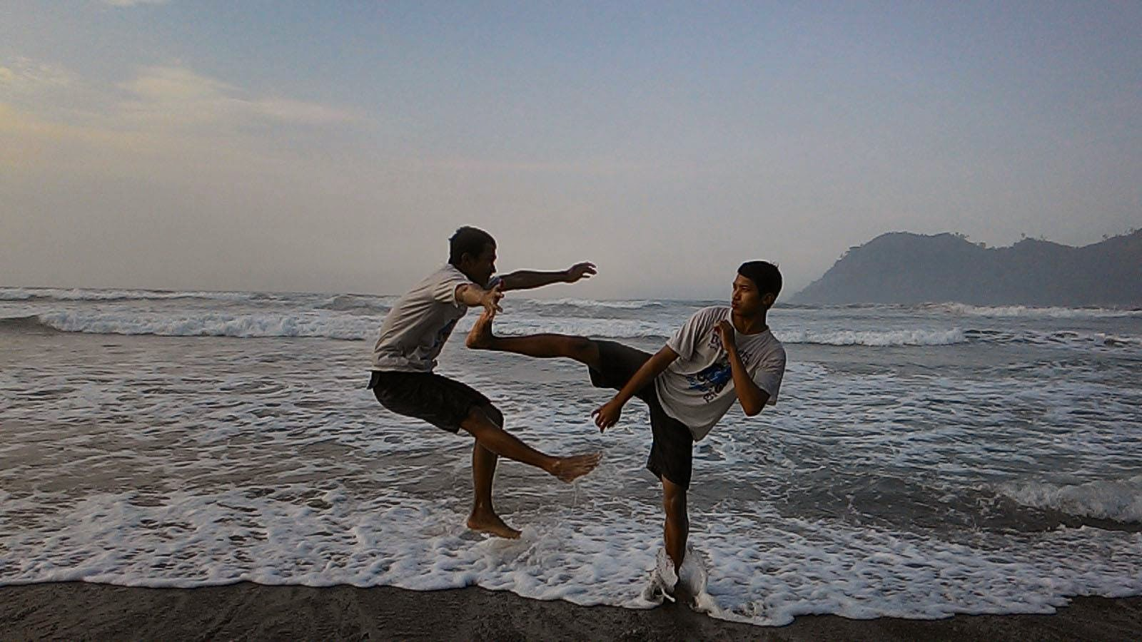 Pantai Lenggoksono Banyu Anjlok Malang Coban Kota