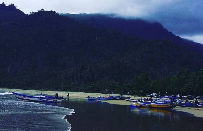 Pantai Lenggoksono Malang Fasilitas Harga Tiket Rute Maps Coban Banyu