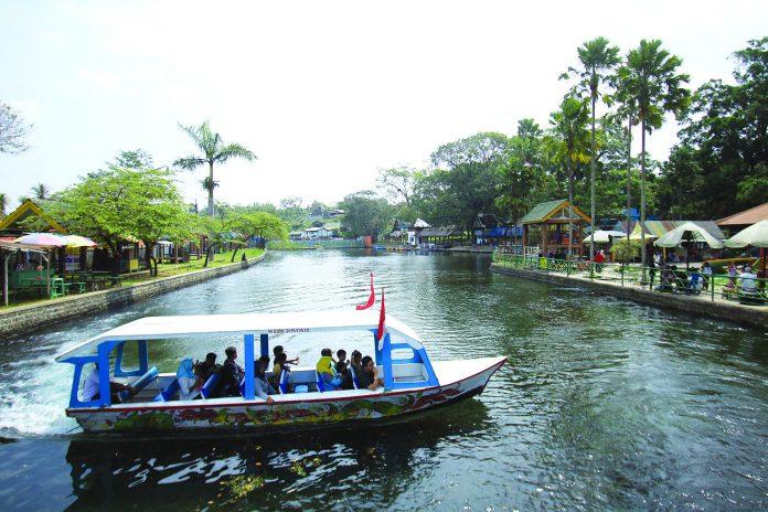 Rasakan Segarnya Sumber Air Wendit Radar Malang Online Pakis Desa