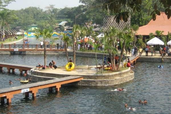 Sumber Pemandian Wendit Kabupaten Malang Jelajah Salah Satu Destinasi Wisata