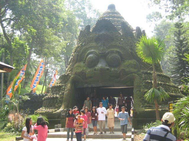 Taman Wisata Air Wendit Malang Jawa Timur Indonesia Nakarasido Theme