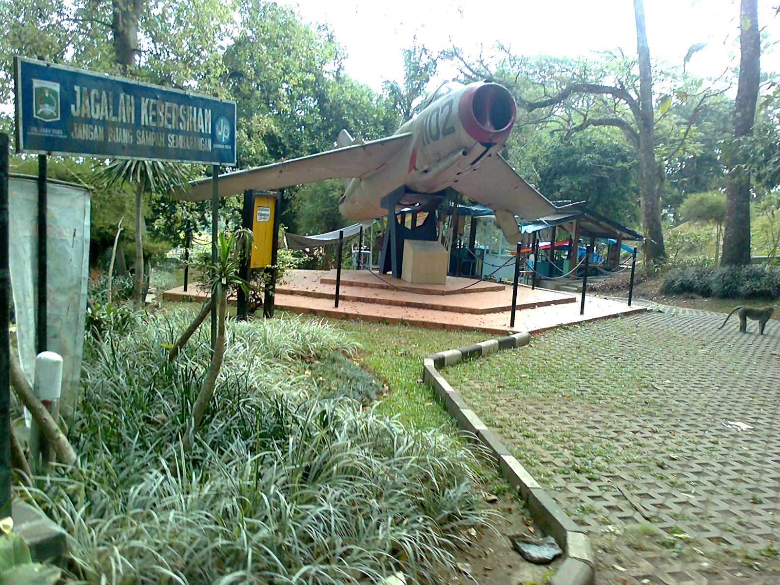 Taman Wisata Air Wendit Tempat Foto Gambar Wallpaper Kota Malang