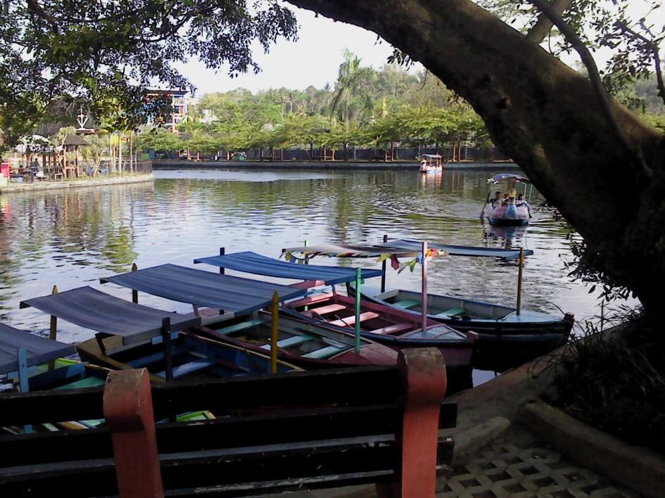 Travel Taman Air Wendit Jawa Timur Prefab Modern Home Kota