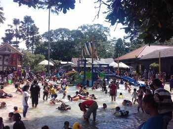 Wisata Legenda Gagal Penuhi Target Pad Harian Bhirawa Online Taman