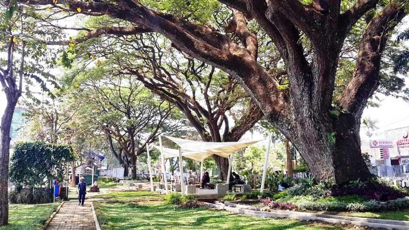 13 Lokasi Wisata Gratis Malang Terbaru Bagus Hits Taman Trunojoyo