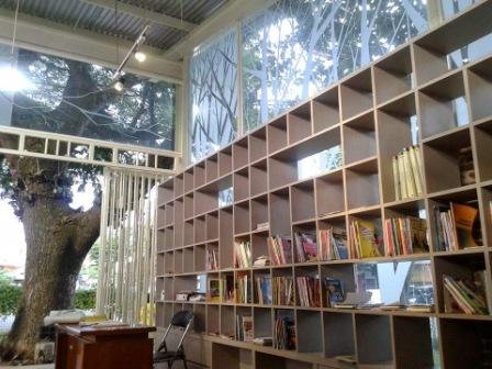 Petang Perpustakaan Taman Bentoel Trunojoyo Malang Ransel Setelah Berulang Angkot