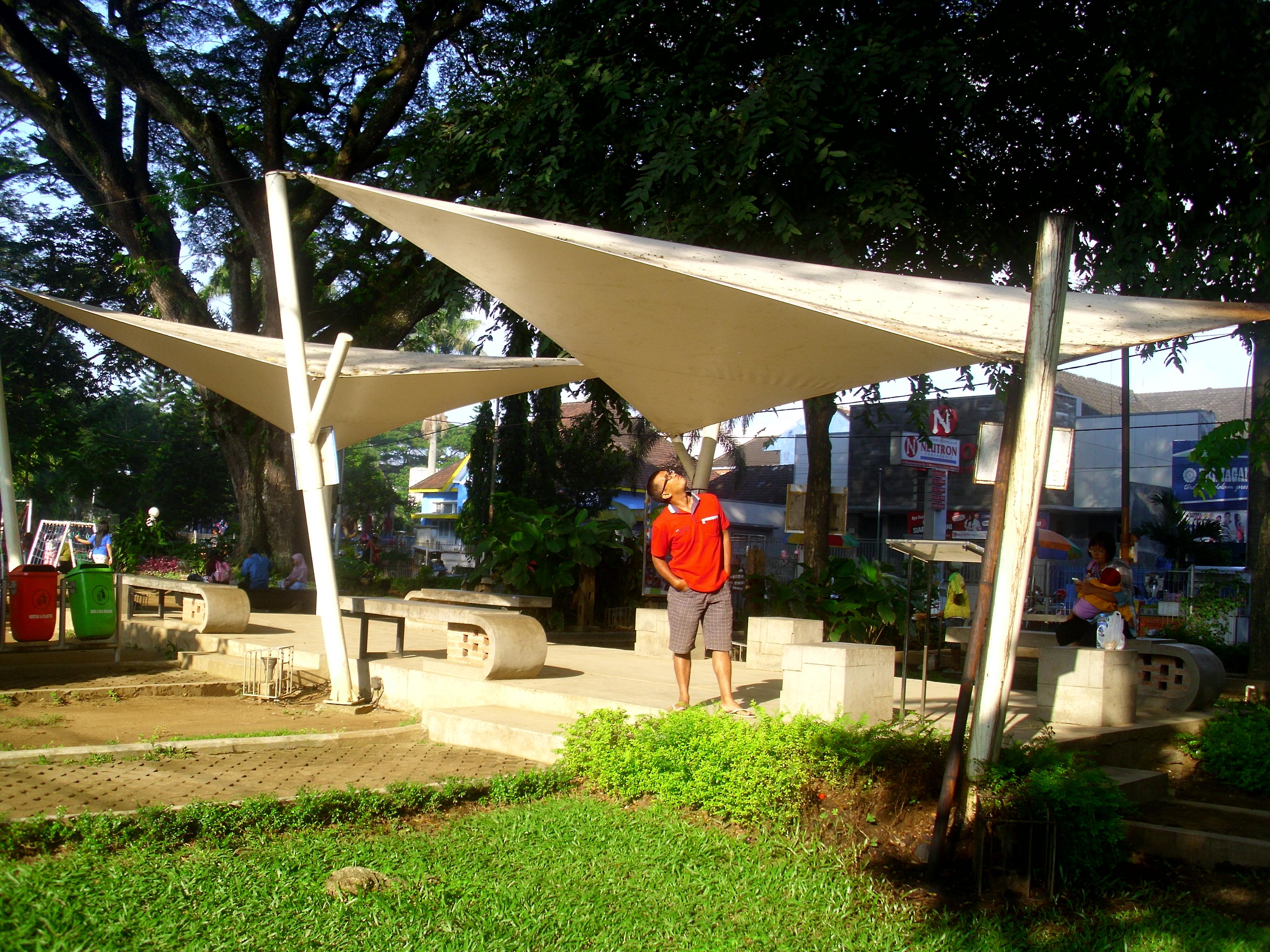 Taman Cerdas Bentoel Trunojoyo Malang Indah Sagst Lho Gazebo Atap