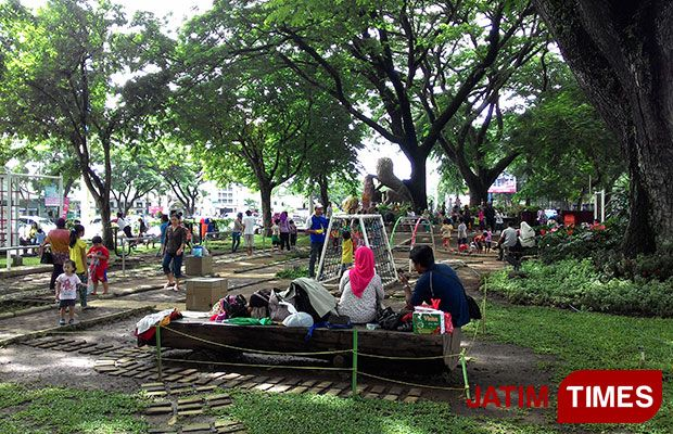 Taman Trunojoyo Alternatif Liburan Bersama Keluarga Jatim Times Suasana Kota