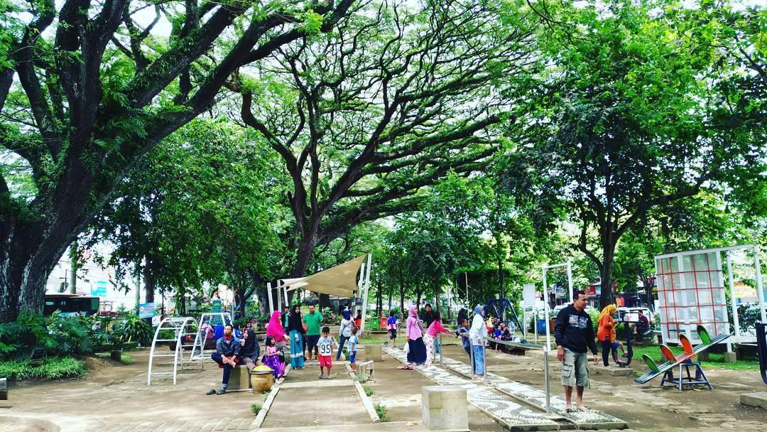 Taman Trunojoyo Malang Kota Dolan Dolen Dolaners Bentoel Cerdas