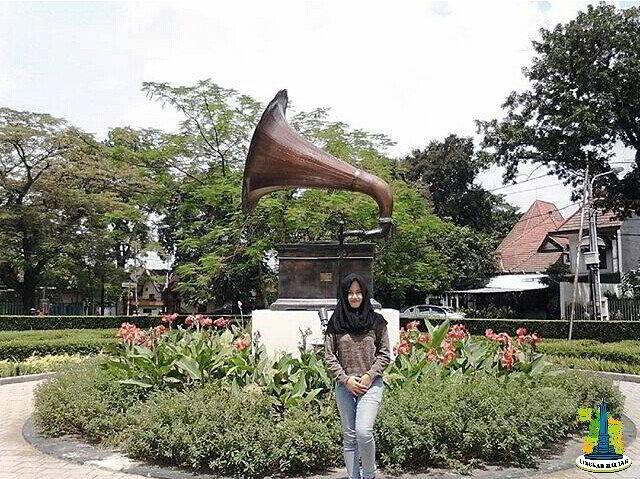 Taman Cerme Unik Tengah Kota Malang Lingkar Alamat 2 Terompet