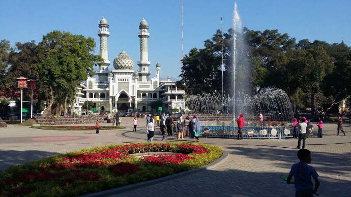 8 Taman Kota Romantis Malang Traveling Yuk Alun Image Source