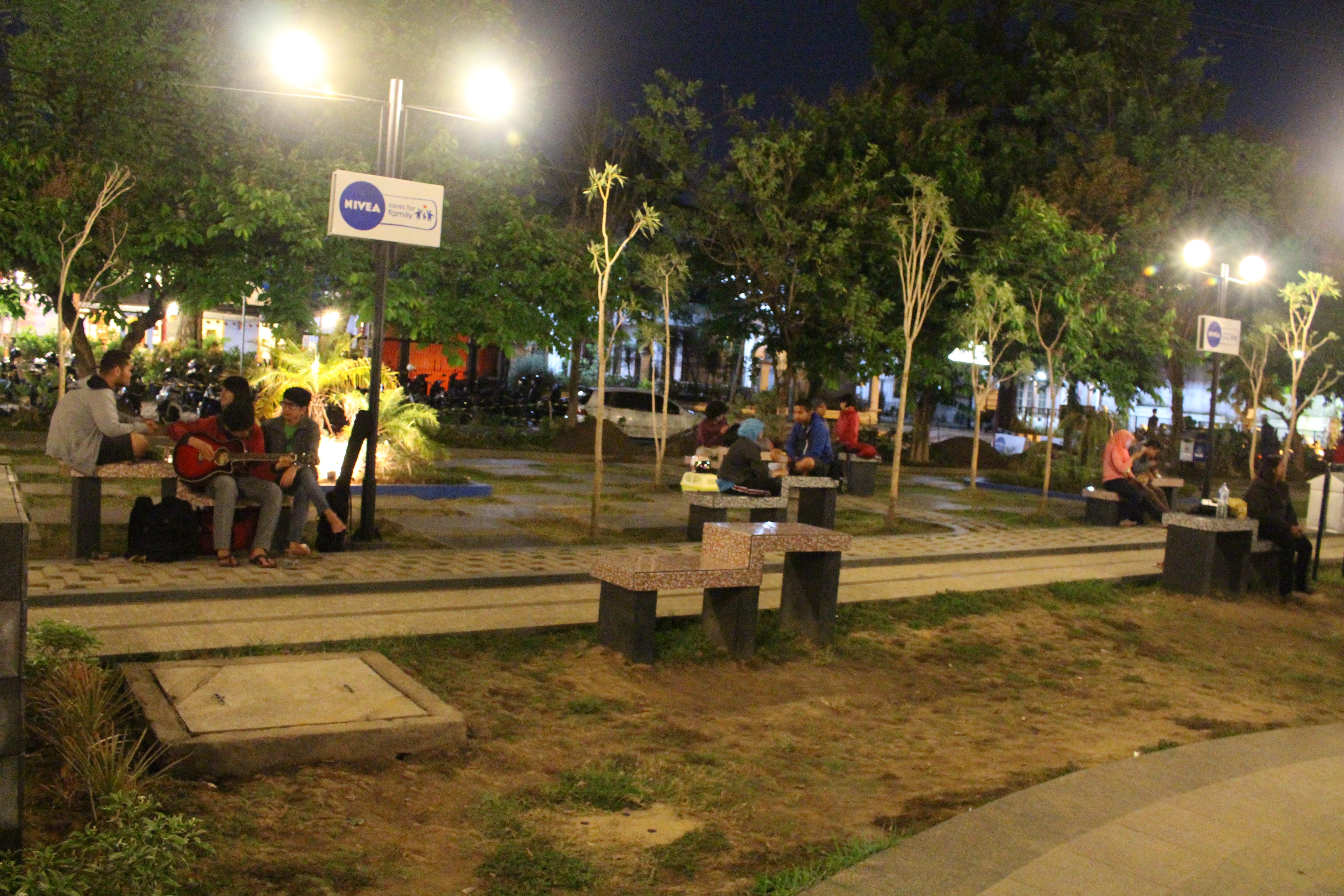 Perkembangan Taman Kota Malang Merbabu Family Park Fungsi Sebagai Sarana