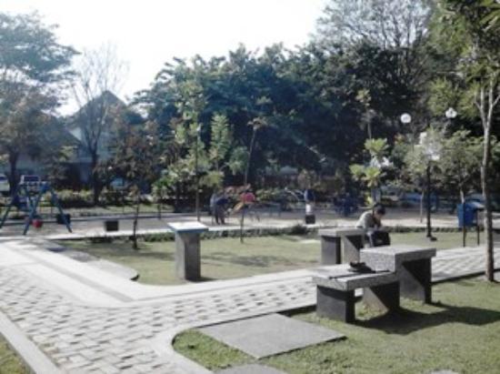 Taman Nivea Merbabu Picture Family Park Malang Rimbun Kota