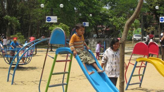 Taman Nivea Merbabu Picture Family Park Malang Tempat Bermain Anak