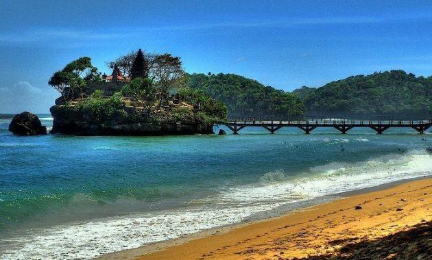 Deretan Wisata Pantai Eksotis Malang Cintawisata Balekambang Teluk Kletekan Kota