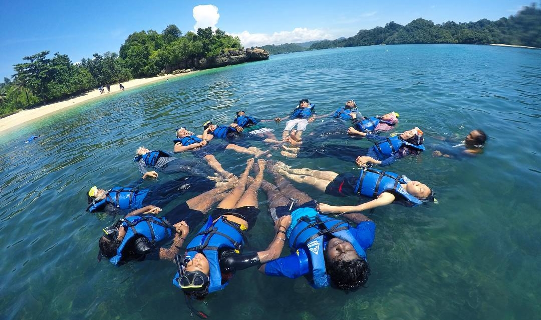 Liburan Tipis 4 Rekomendasi Tempat Snorkeling Gambar Terkait Teluk Kletekan