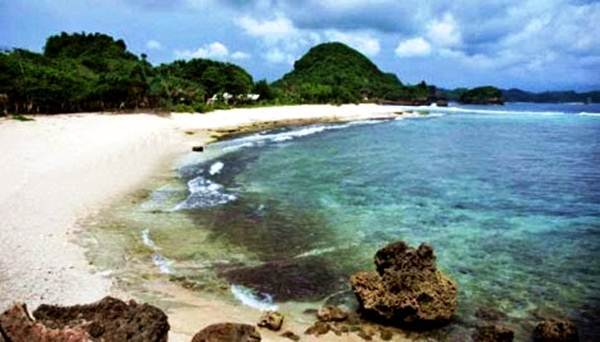 Pantai Lenggoksono Malang Rute Lokasi Tiket Masuk Keindahan Teluk Kletekan