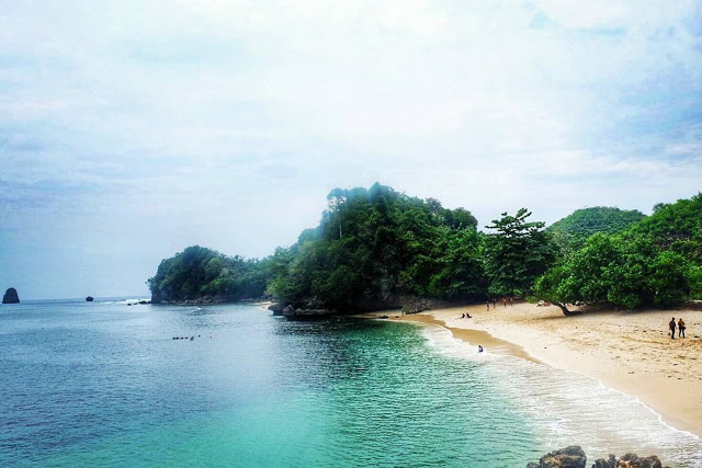 Pantai Malang Wisata Dictio Community Tiga Warna Disebut Sebagai Terindah