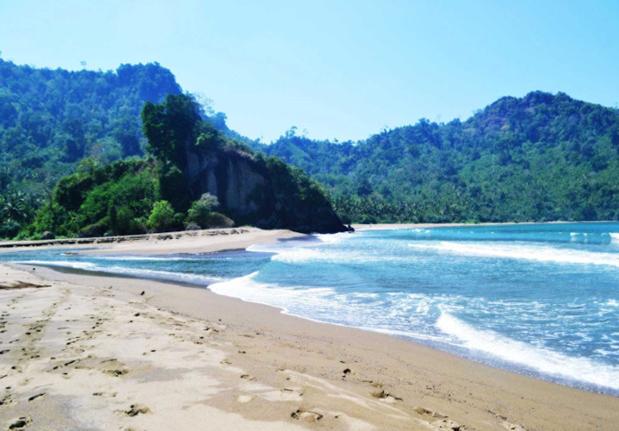 Wisata Pantai Populer Malang Dua Jempol Sipelot Terletak Desa Pujiharjo