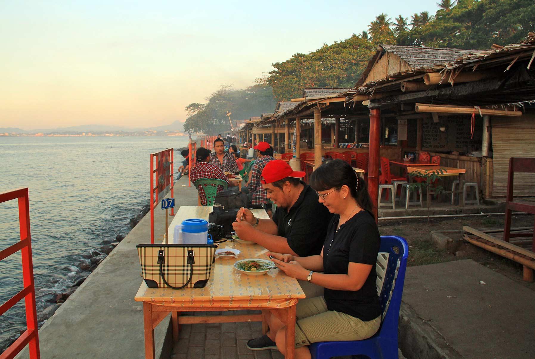 Catat 5 Wisata Gratis Manado Blog Ronny Buol Pengunjung Menikmati