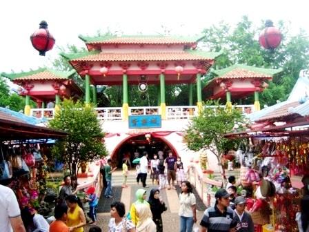 Kampoeng China Cibubur Dani Alex Mokar Rorong Kampung Cina Kota